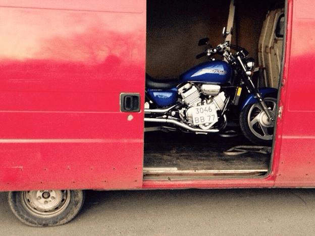 мотоцикл в кузове авто