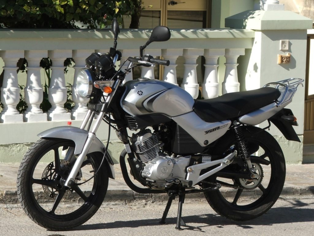 Yamaha ybr125 вид сбоку